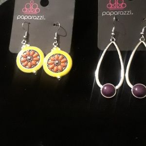 2 pairs Paparazzi Earrings.